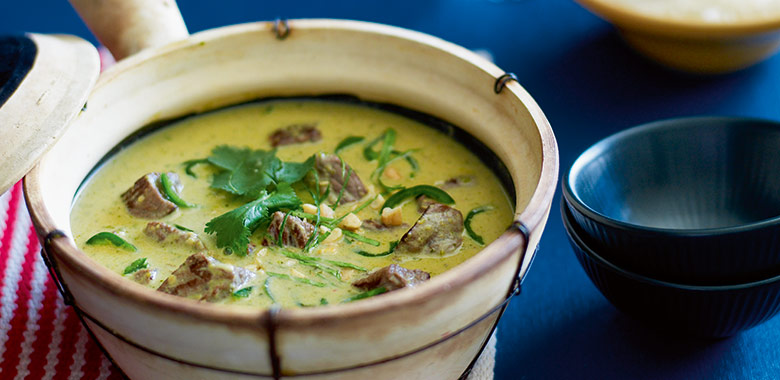 Beef Green Curry matched to white wine
