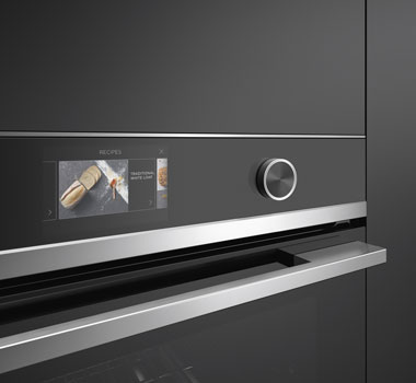 With touchscreen ovens, you can cook by food type, function or recipe