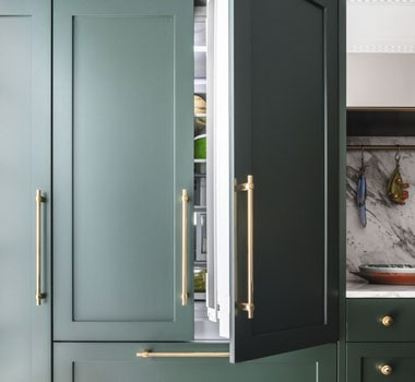 Customise Fisher & Paykel's Integrated Bottom Mount Refrigerators with your own kitchen cabinetry.
