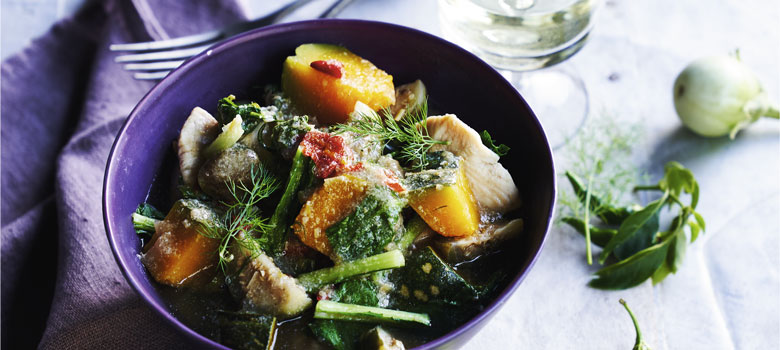 Sujet Saenkham's chicken curry with pumpkin and dill
