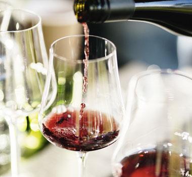 Holyman Pinot Noir pouring