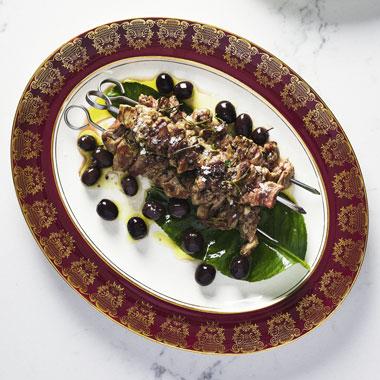 Massimo Mele's Spiendini di agnello con olive e limone recipe