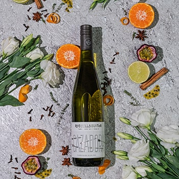 Russell and Suitor, Cazadora Riesling