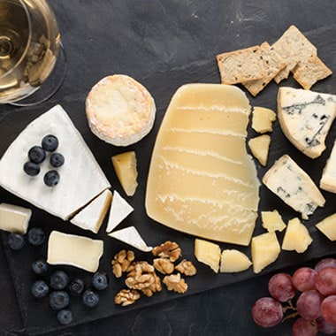 How to Make an Amazing Cheese Board in No Time at All